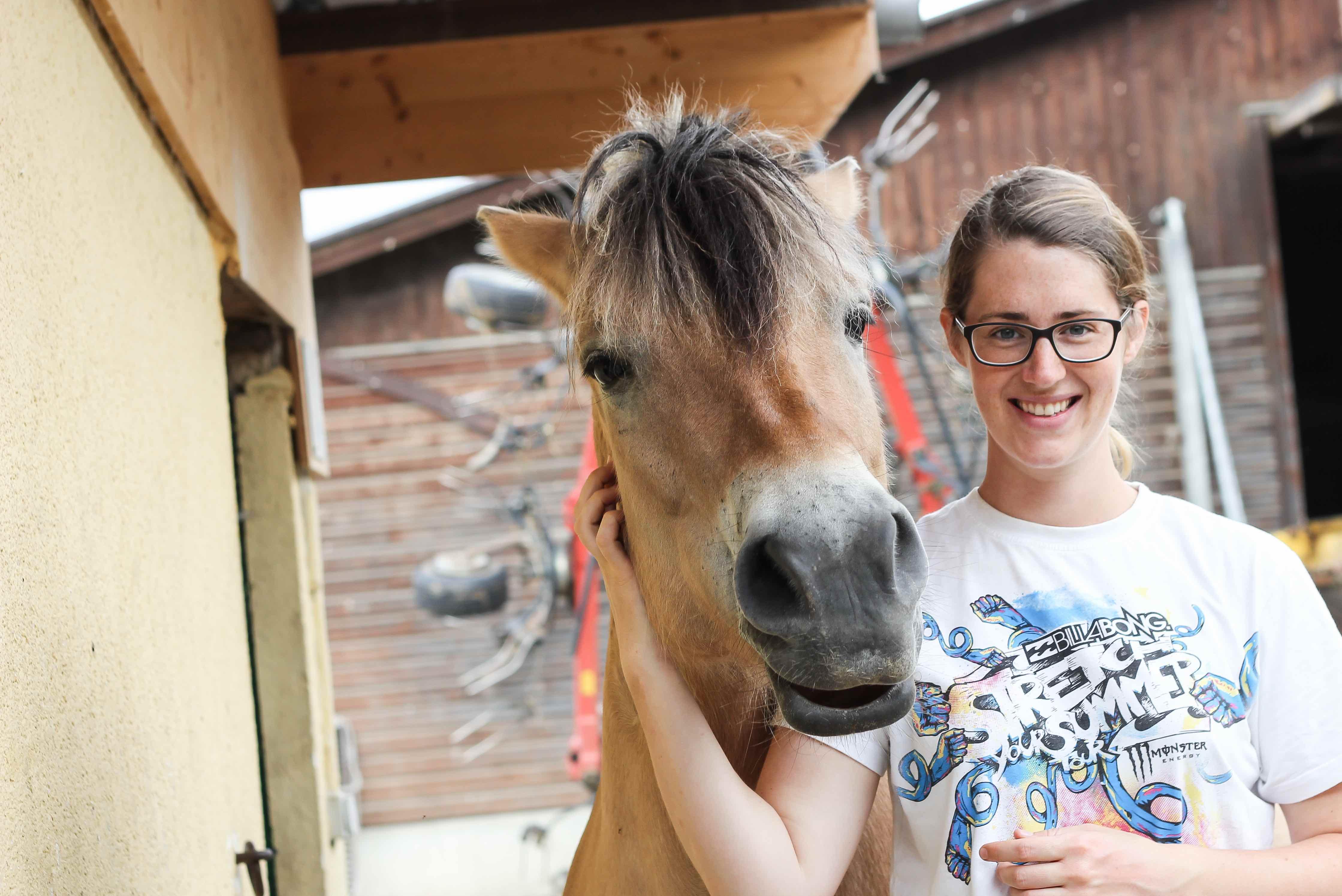 Pferdegestützte Therapie und Natural Horsemanship - Nicola Mümdemann, Dipl. Psych.